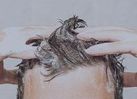 頭皮マッサージで予防